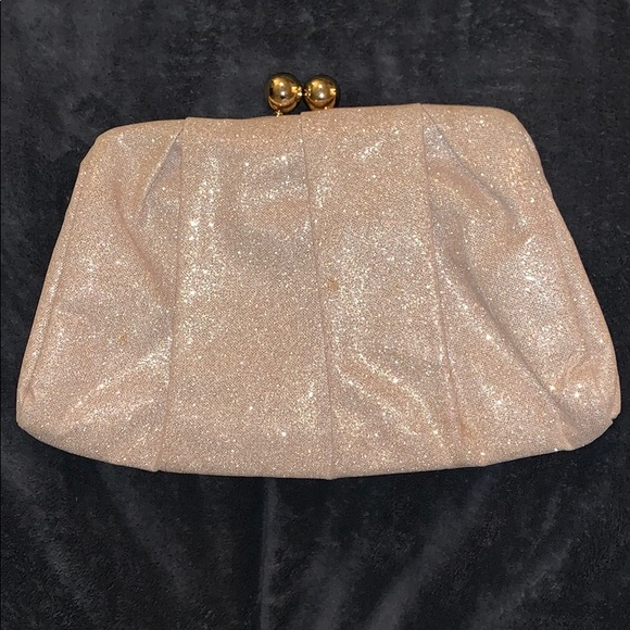 36c41fe2d776 Nude sparkly clutch bag. M_5c0a1edd035cf1a82226d414